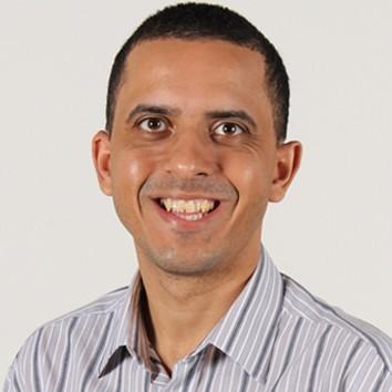 Professor Luciano Cruz