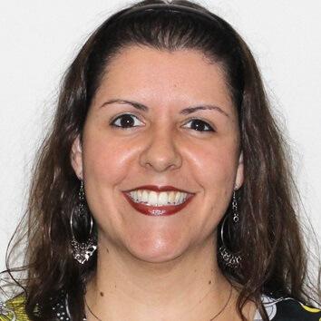 Profª. Mª. Taís Cecília Lima de Clares